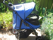 Puppy's Pet Pusher /Happy Trails No-zip Pet Stroller/ for pets only